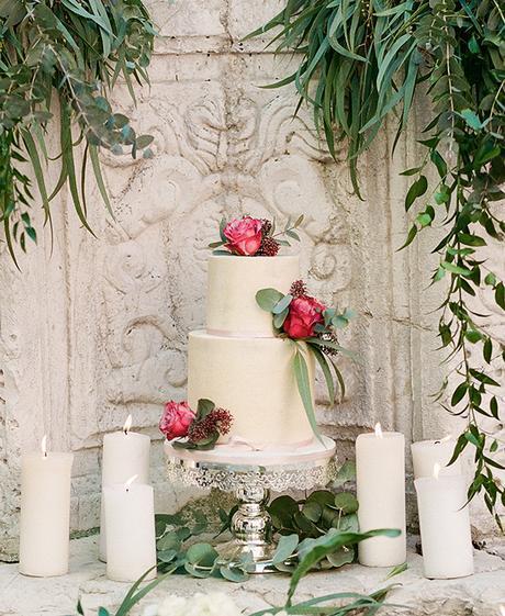 elegant-wedding-cake (1)