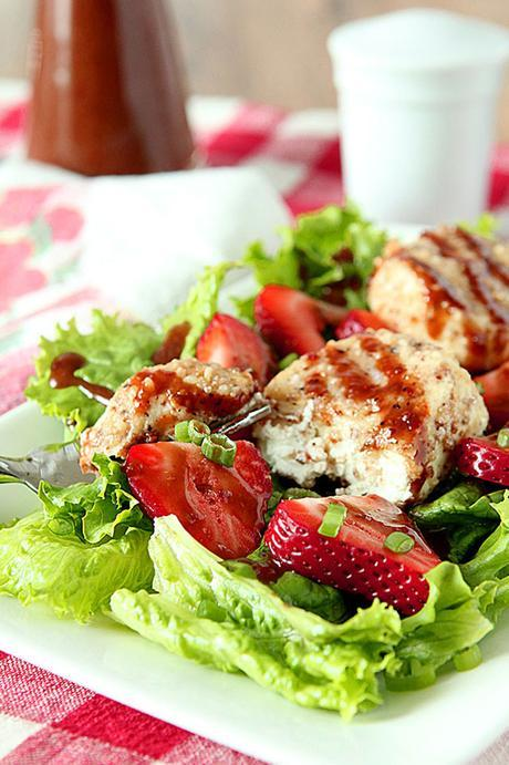 Strawberry Salad with Goat Cheese Rounds