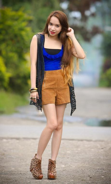 Look 366: Blues and Browns