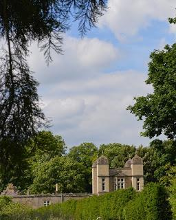 A midsummer lunch at Easton Walled Gardens