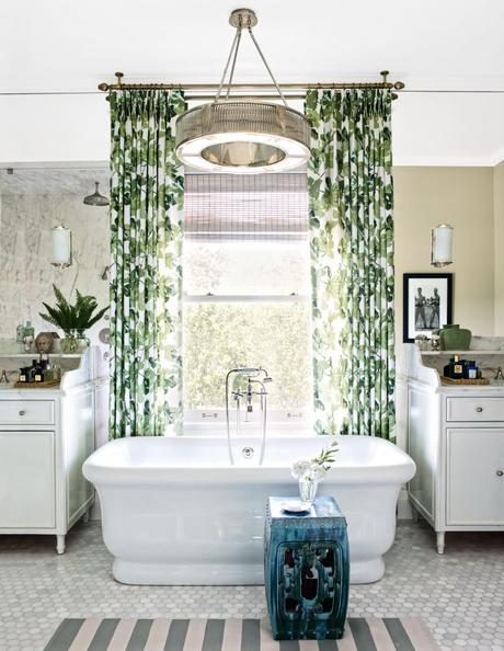 Summer Bathrooms: Beautiful rooms to retreat from the heat
