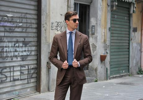 Dark Brown Summer Suits - Paperblog