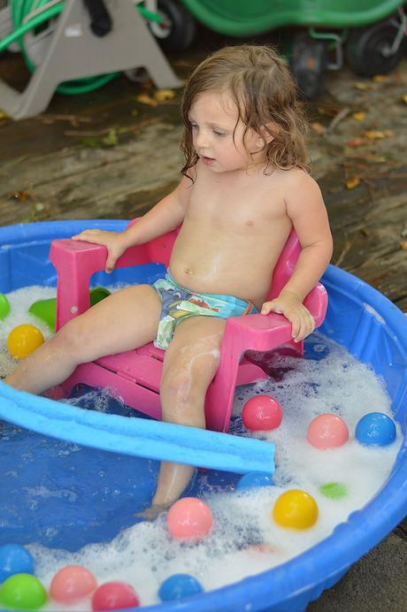 Kids outside a lot this summer? Whether it's the beach, the pool or the backyard, here's how to keep your baby's skin safe from the sun.