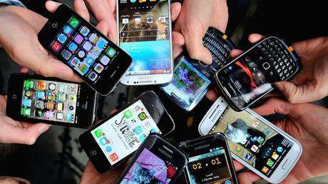 The Pros and Cons of Smartphones