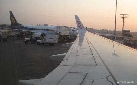 Jumping off the plane ~ Senkottai ..........Die Hard !!