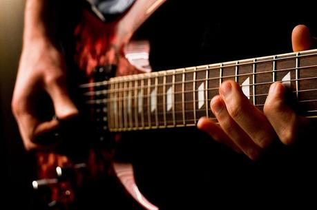800px-Electric_guitar_(477101105)