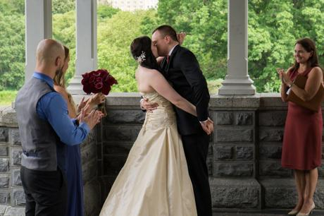 central_park_wedding_the_kiss