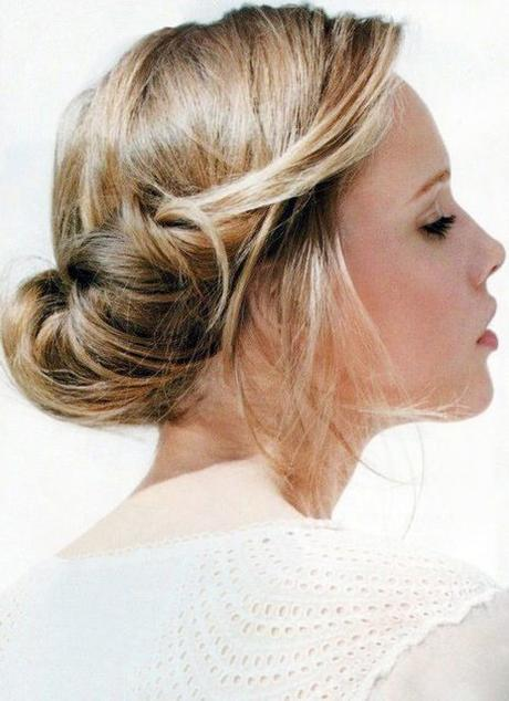 Easy cute and messy bun hairstyles for long hair paperblog rolled up bun with small bouffant urmus Image collections