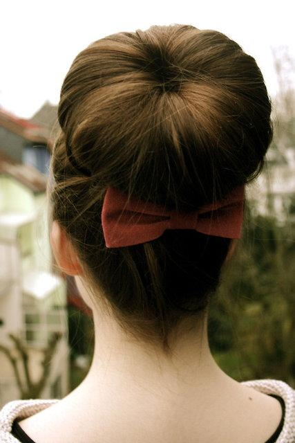 Surprising Easy Cute And Messy Bun Hairstyles For Long Hair Paperblog Hairstyles For Women Draintrainus