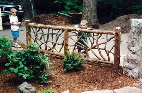 Rustic Fence Ideas For A Small Yard