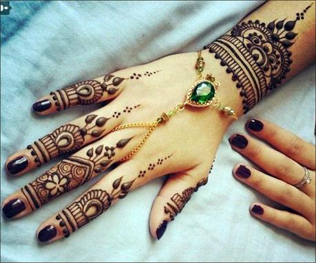 Latest Mehendi Designs: For Palm Upper Side of Hands