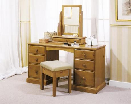 Elegant Dressing Table to Decorate Your Room