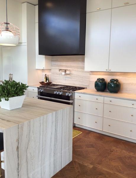 Bianco Macaubas Quartz Kitchen Counters