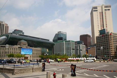 Seoul: Wander Around City Hall Station