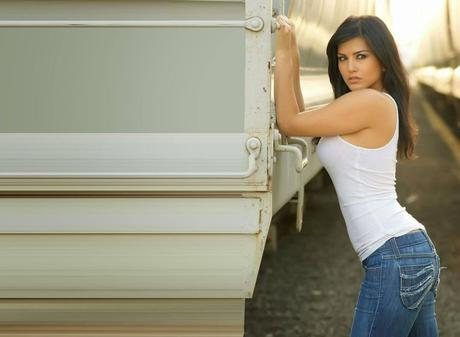 Sunny-Leone-HD-Wallpapers-20