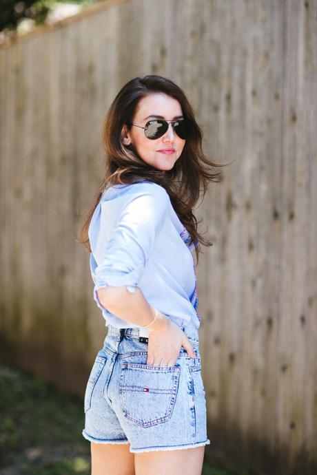 Amy Havins wears Tommy Hilfiger denim.