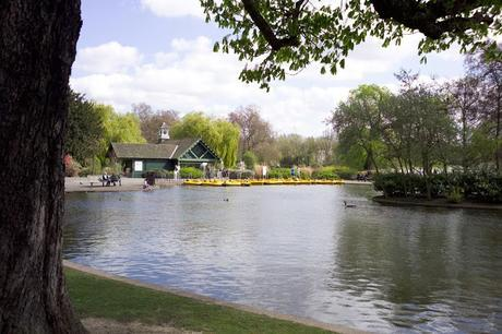 Summer in #London #SchoolHolidays - Boating in Regent's Park @theroyalparks