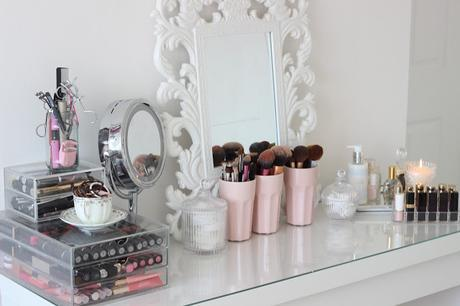Beauty: Dressing Table Dreaming