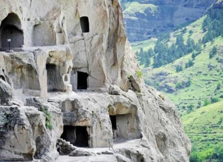 Vardzia, Erusheti Mountain