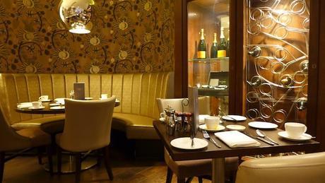 HOLYROOD_MACDONALD_HOTEL_DINING AREA