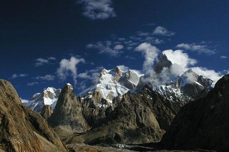 Himalaya Fall 2016: Nobu Heads to Everest, Climbers Missing in Pakistan