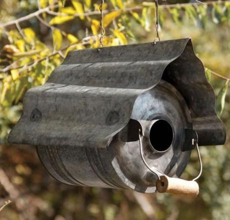 Birdhouse Made From an Old Oil Can