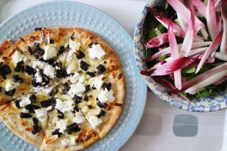 photo Black Pudding and Goats Cheese White Pizza 4_zpsv7okd4jo.jpg