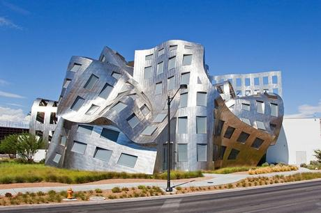 20 incredible buildings that defy the laws of physics