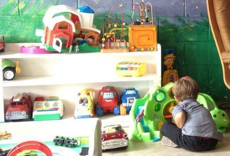 15 Tips to Organize a Baby Nursery