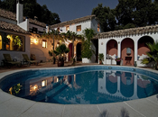 Luxurious Spaces: Turn Your Yard Into Private Getaway