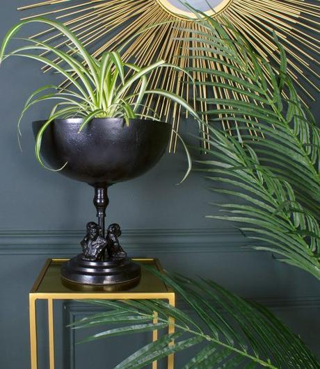 The tropical interiors trend has evolved… now we have the tropical rainforest vibe to tempt you further into the steamy jungle.
