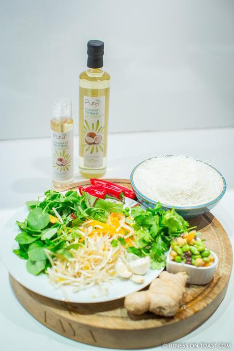 fitness-on-toast-faya-blog-girl-healthy-eating-diet-cooking-coconut-oil-pura-blend-lighter-diet-health-prawn-crunchy-asian-dinner-dish-idea-6
