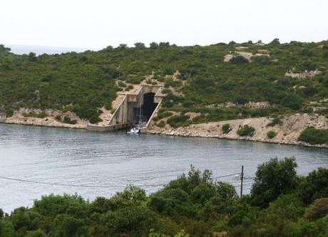 VIS Island, VIS