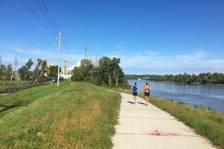 Mile 17 of Omaha Marathon
