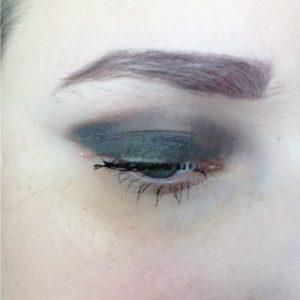 ModelLauncher Brow Duo Pencil in Taupe on eyes