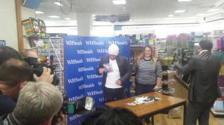 Meeting Peter Andre | Book Signing Tour 18.10.2016 WH Smith's Gloucester