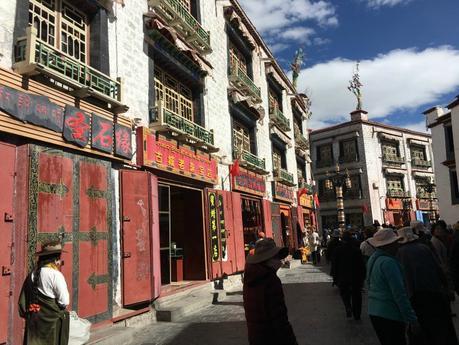 bazaar-lhasa
