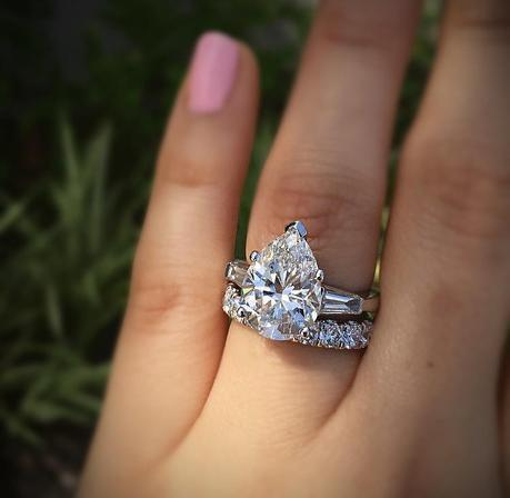 Big engagement rings are tacky