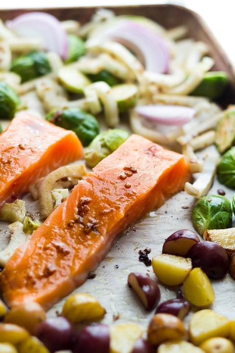 Mediterranean Salmon Sheet Pan Dinner, an easy dinner recipe ready in 30 minutes!