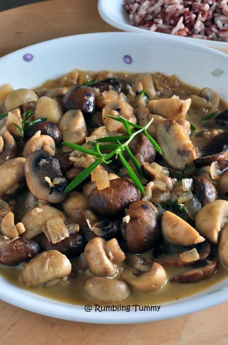 Mushroom in white wine sauce