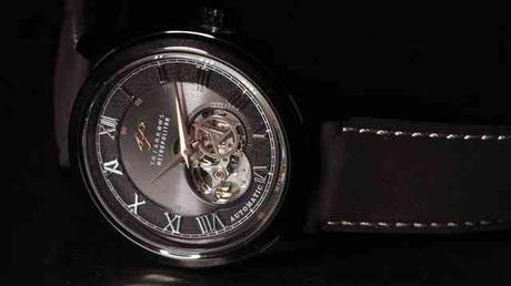 triarrows-mechanical-watch-3