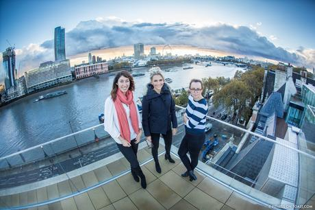 fitness-on-toast-faya-blog-book-girl-fit-in-3-little-brown-behind-the-scenes-bts-london-capital-thames-skyline-view-panoramic-30