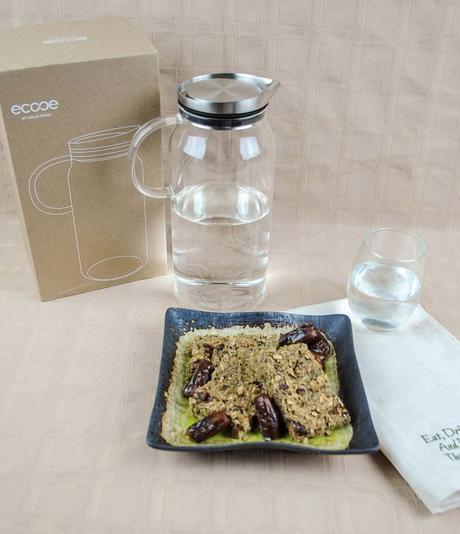 Homemade Energy Bars with Oats, Chia Seeds, Dates, and Bananas