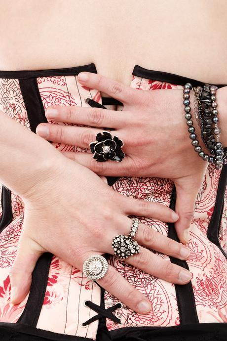 hands-with-rings