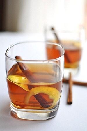 Honey Lemon-Ginger Bourbon Hot Toddy - Paperblog