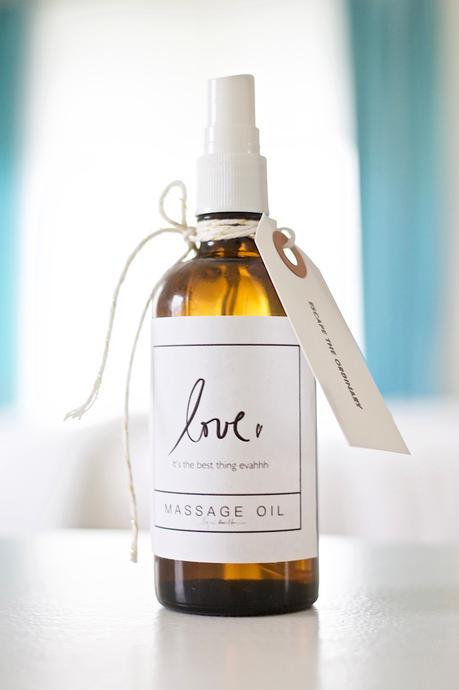 How to make theeee. most. insanely. ahhmazing. massage. oil. evahh.