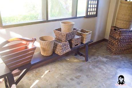 Hand-weaved baskets at the Farmhouse in Aloguinsan Cebu | Blushing Geek