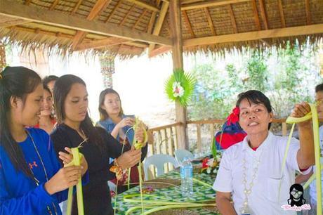 Puso making tutorial at Bojo River in Aloguinsan Cebu | Blushing Geek