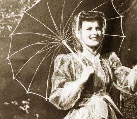 1940s-Fashion---Maureen-O-Hara-Winter-Style-1941c