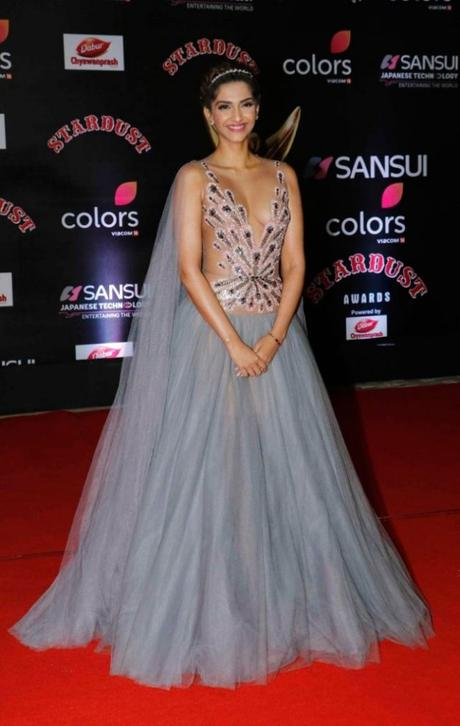What Celebrities Wore At Sansui Colors Stardust Awards 2016